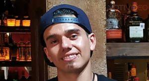 Bartender Diego Ayala originario de Yurécuaro