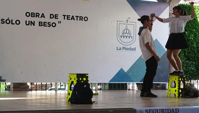 Teatro Solo Un beso La Piedad