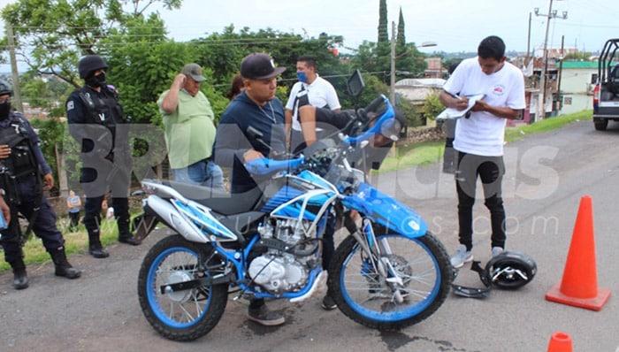 choque moto auto Santa Ana Pacueco